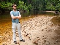 Felix am Nebenfluß des Sungai Tembeling